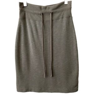 James Perse Mid-Length Jersey Knit Pull-on Skirt